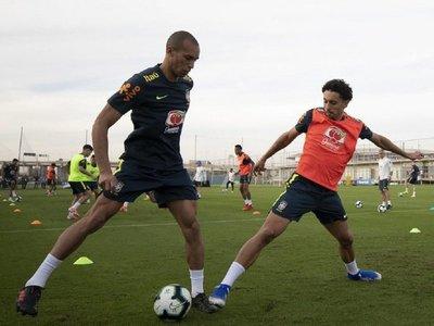 Brasil trabaja por primera vez en Porto Alegre sin Cássio