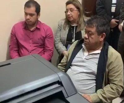 Miguel Prieto denuncia que avivados piden dinero a su nombre