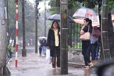 Anuncian descenso de la temperatura y lluvias para este martes