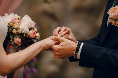 Organizan bodas para mujeres que luchan contra el cáncer