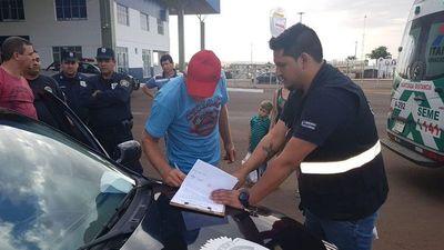 Dos brasileños con órdenes de captura fueron expulsados del país