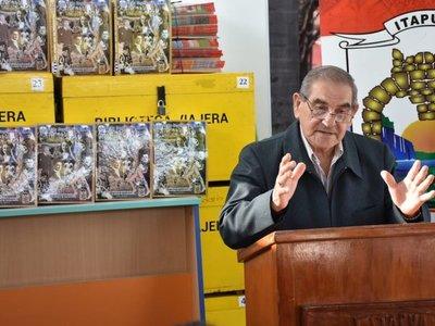 Entregaron libro de escritor paraguayo a instituciones educativas