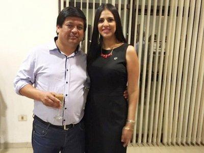 Esposa de Rojas fiscalizó obras en municipios donde ganó licitaciones