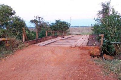 Urgen la reparación de un puente en Ybycuí