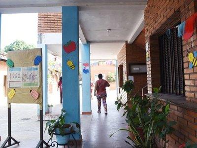 Titular del MEC despidió a  50% de   profesionales de educación inclusiva
