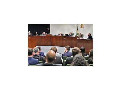 Corte niega libertad a Lula y posterga la decisión sobre Moro
