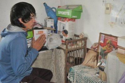 El chico del milagro de Chiquitunga apela a la ayuda ciudadana