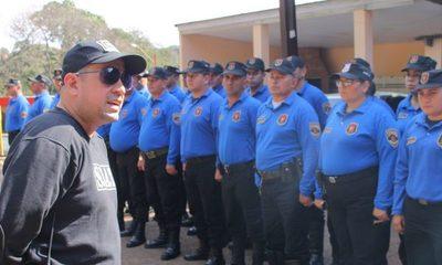 Agentes tuvieron que pagar por uniformes por que empresa no cumplió con lo requerido