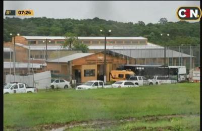 Anuncian cierre temporal de cárceles de Emboscada y Coronel Oviedo