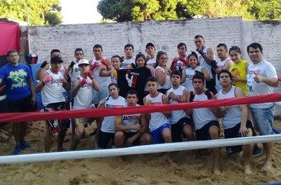 Luque gozó con exitoso torneo benéfico del boxeo de playa