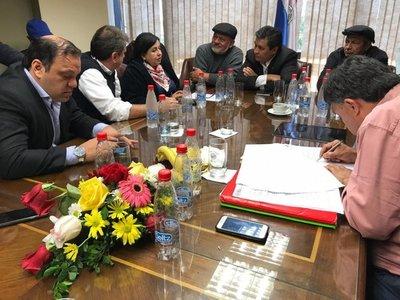 Campesinos movilizados en Asunción llegan a un acuerdo con el Gobierno