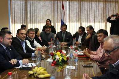 Gobierno y CNI llegan a acuerdo para proyectos de reactivación productiva