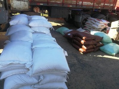 Incautan 15 toneladas de productos de contrabando en Caaguazú