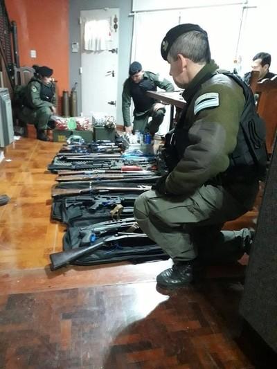 Desbaratan en Argentina a megabanda que traficaba armas a Brasil y Paraguay