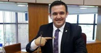 Maestros destacan falta de perfil de Eduardo Petta para administrar el MEC