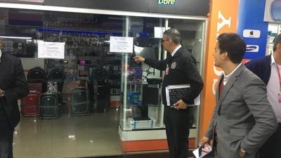 Intervienen Shopping Alfonso, ubicado en el microcentro de CDE
