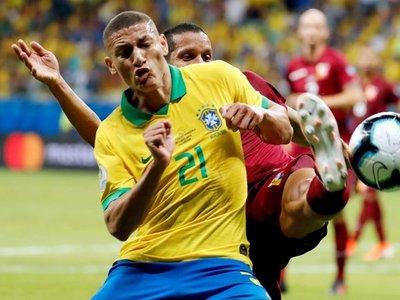Brasil sufre una baja de último momento para el choque con Paraguay