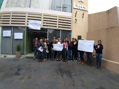 Funcionarias de cooperativa piden imputación de jefe denunciado por acoso sexual
