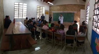 Realizan charla en escuela para prevenir influenza
