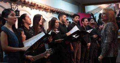 HOY / Presentaciones de solistas y coro en el concierto de la escuela del IMA