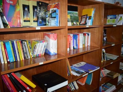 Rehabilitan biblioteca en memoria del periodista Caio Scavone