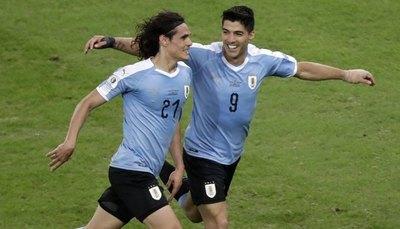 Uruguay y Perú cierran los cuartos de final