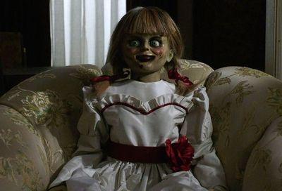 """La nueva """"Annabelle"""" es entretenida pero no muy aterradora"""