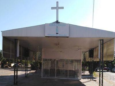Vecinos protestan por cierre de oratorio, sacerdote dice que es temporal