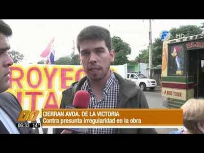 Cierran Avda. de la Victoria por supuesta irregularidad en obra