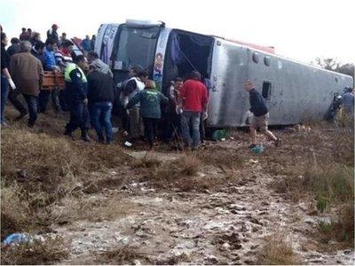 Al menos 13 muertos en accidente en el norte de Argentina