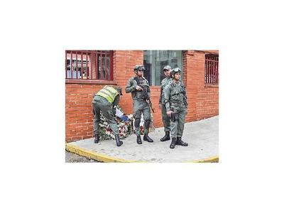 Presión sobre Maduro para esclarecer la muerte de un militar