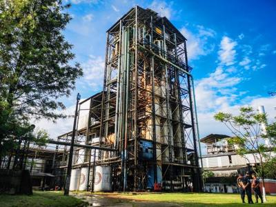 Millonaria inversión del Gobierno en modernización de la planta alcoholera de Troche