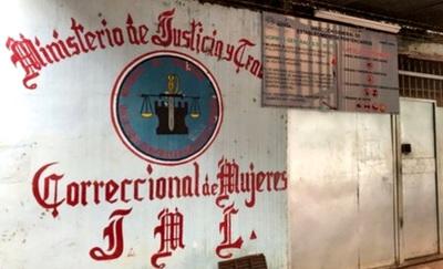 Reclusas queman colchón como protesta por traslado de condenada a 25 años