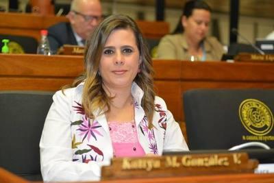 Rechazan tratar pérdida de investidura de Kattya González