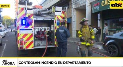 Controlan incendio en el centro de Asunción