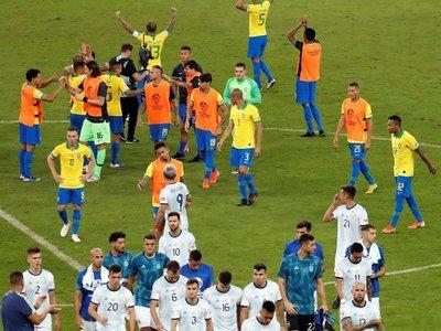 """La AFA envía reclamo a la Conmebol por el """"perjuicio"""" sufrido ante Brasil"""