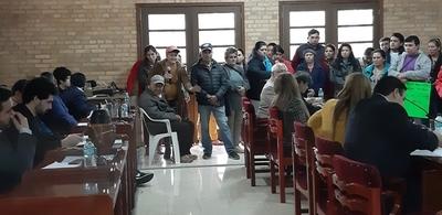 Ocupantes de veredas dicen que pagaron y piden reubicación