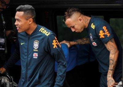 Brasil comienza a preparar la final sin cuatro jugadores