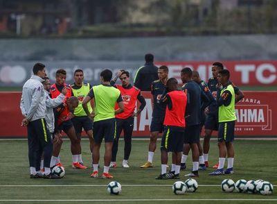 Brasil, sin cuatro jugadores, aguarda un Perú distinto