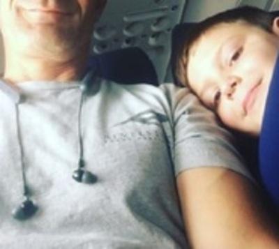 La emotiva historia de un niño autista que viajó solo por primera vez