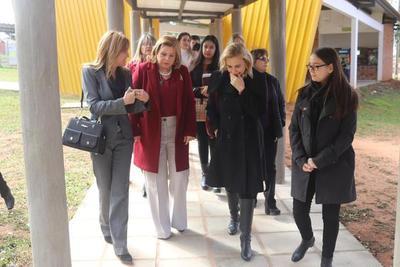 Capacitan a profesionales del Centro Ciudad Mujer en salud mental