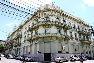 Hacienda transfirió G. 1,156 billones a municipios y gobernaciones