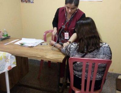 Casi 11 mil atenciones en dispensarios y laboratorio municipal