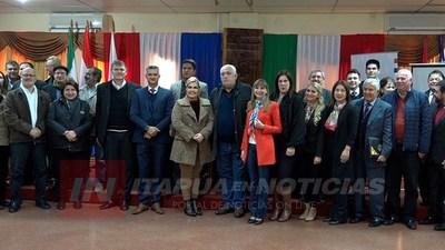 MINISTRA DE TRABAJO SUSCRIBE CONVENIO EN LA GOBERNACIÓN