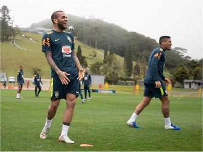Brasil se entrena con todos sus jugadores, excepto Willian