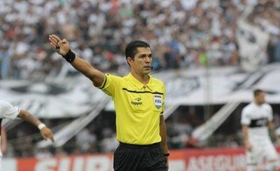 Mario Díaz de Vivar, bajo la atenta mirada argentina