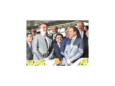 Bolsonaro rebate críticas y defiende el trabajo infantil