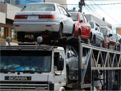 Autos usados pagaron USD 100 millones a Aduanas en el 2018