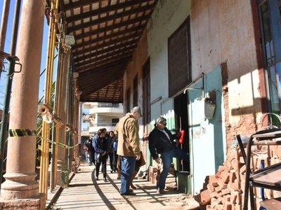 Ex alumnos restauran  pabellón ante crisis que afecta a casi 13.000 aulas