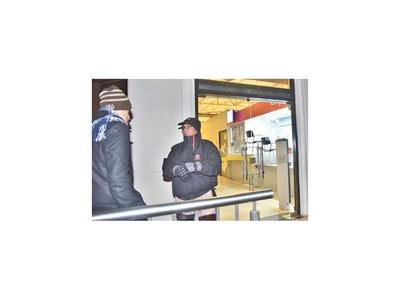 Asaltan local de cobranza del Banco Itaú